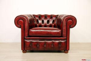 Poltrona capitonnè Chesterfield rossa bordeaux in pelle asportata