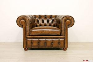 Poltrona Chesterfield marrone vintage in pelle asportata