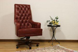Poltrona da ufficio con girevole in legno in pelle rossa vintage