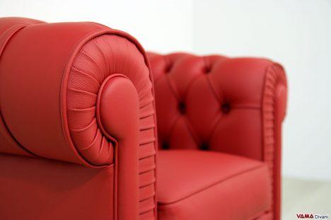 Poltroncina chesterfield classica da ufficio in pelle rossa