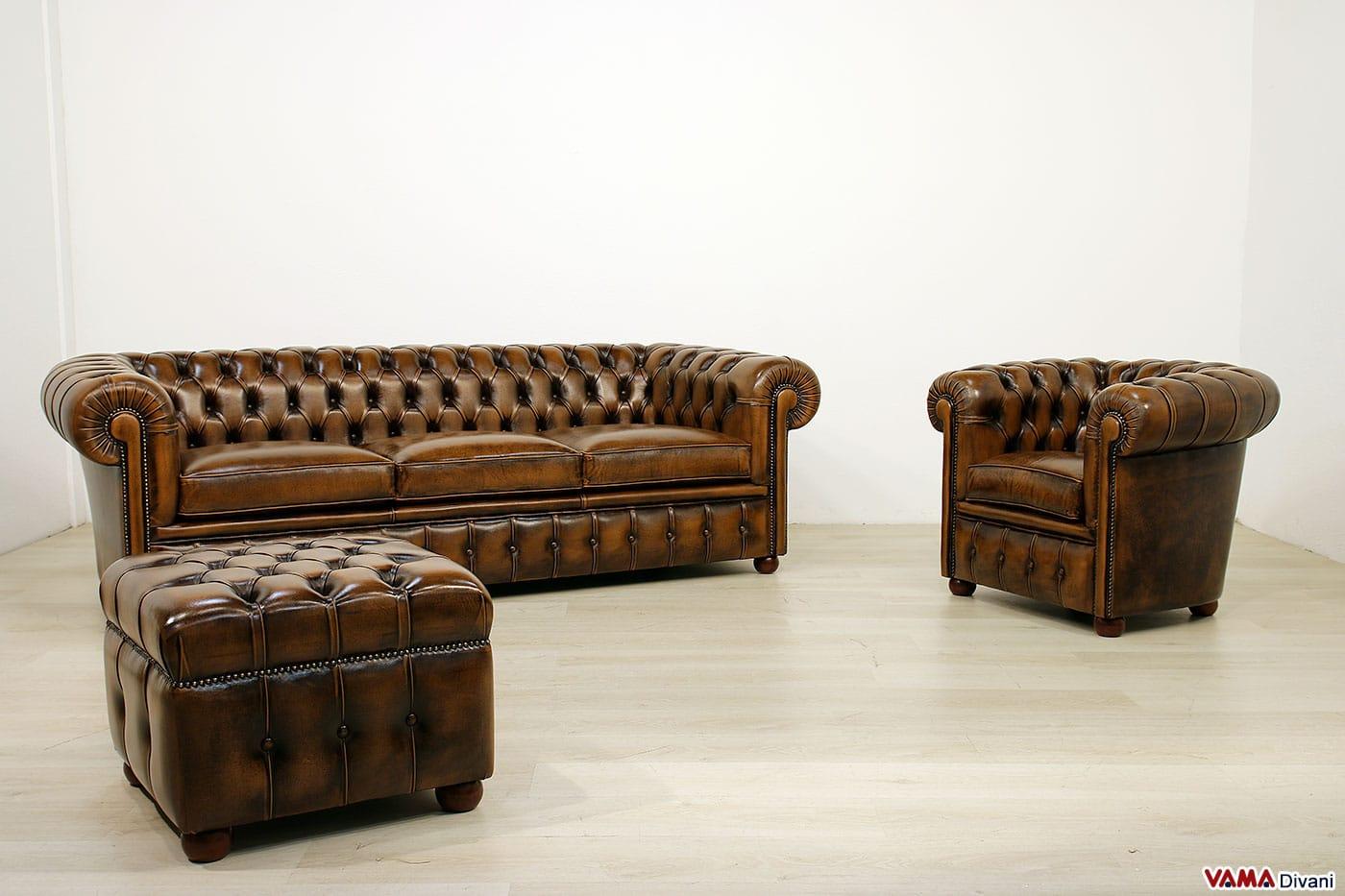Divano chesterfield vintage con chiodi e piedini alti - Devo buttare un divano ...