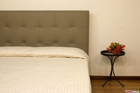 Testiera letto in pelle grigio talpa moderna a quadri cuciti
