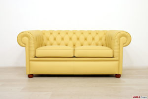 Chesterfield 2 posti liscio giallo
