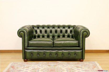 divano chesterfield pelle invecchiata verde inglese bottiglia