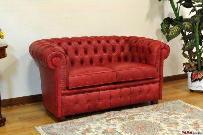 divano chesterfield rosso piccole dimensioni