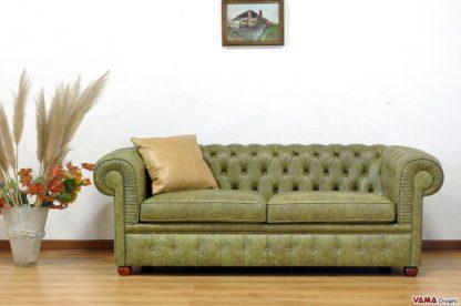 Divano Chesterfield Large verde oliva vintage invecchiato