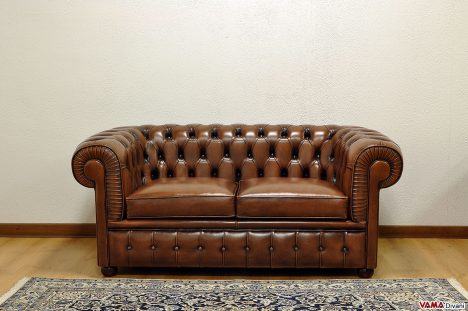 divano chesterfield vintage