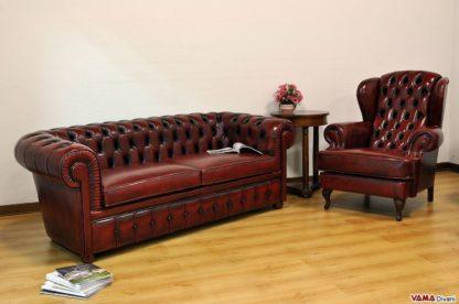 divano chesterfield rosso bordeaux vintage invecchiato con poltrona
