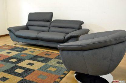 Salotto moderno con poltrona girevole
