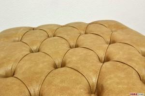 pouf chesterfield vintage in pelle ambra invecchiata
