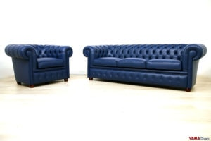 Divano e poltrona Chesterfield blu in pelle