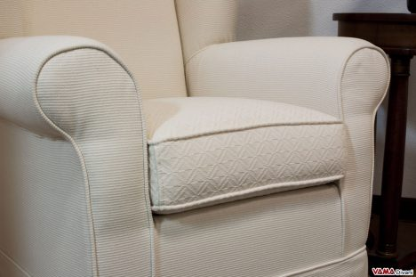 Braccioli e cuscino in stoffa abbianata bianca Poltrona Bergère