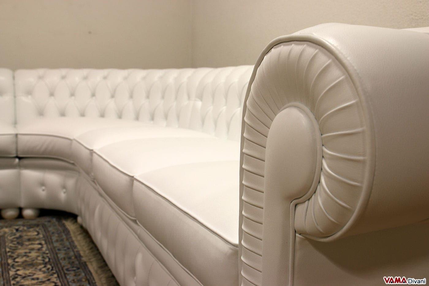 divano chesterfield angolare con angolo tondo in vera pelle - Bianco Dangolo Divano