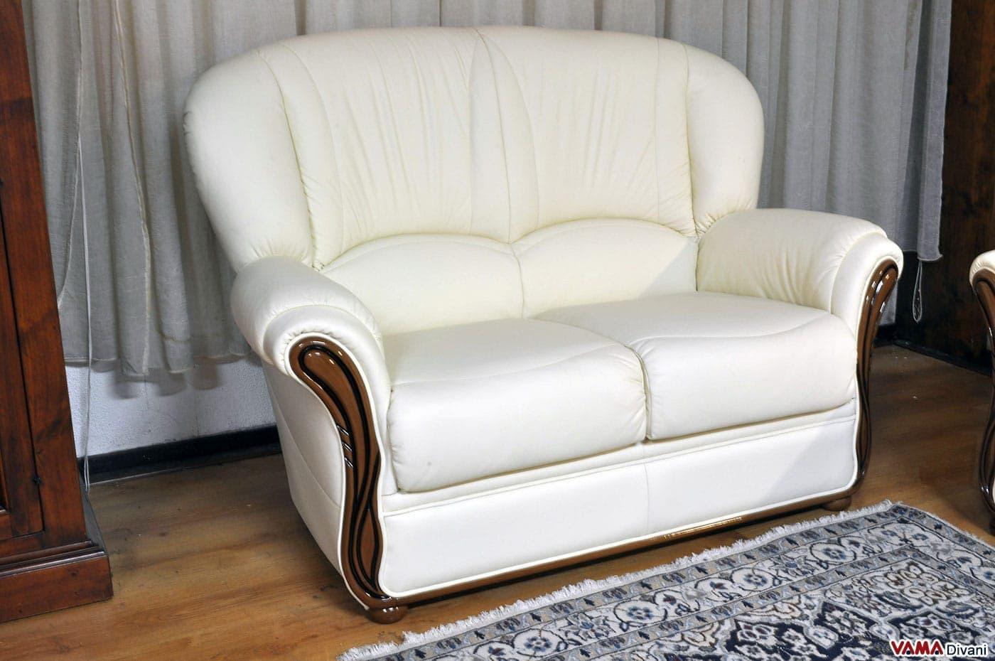 Divano 2 posti classico in offerta con rifiniture in legno - Amazon divani due posti ...