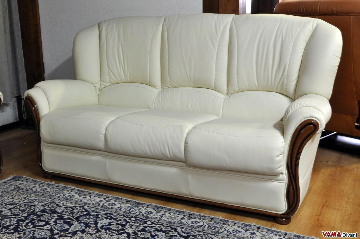 Divano in legno rustico cheap divano helsinki divano letto with divano in legno rustico divani - Divano ikea con struttura in legno ...