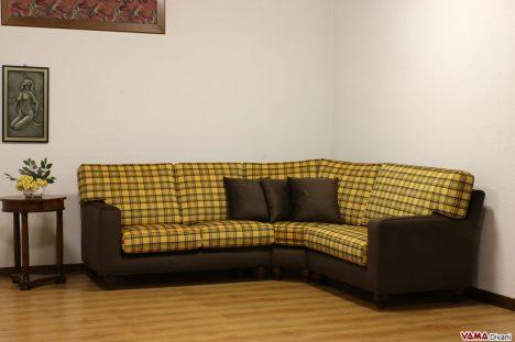 Divano Angolare con tessuto a quadri giallo e marrone