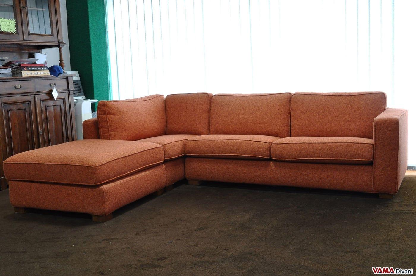 Divano angolare in tessuto arancione in offerta occasione for Divano letto in pelle prezzi
