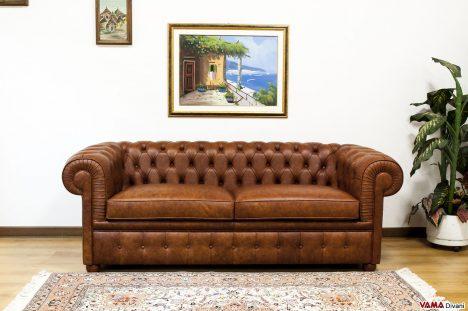 Divano Chester 2 posti Large in pelle vintage marrone invecchiata