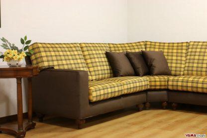 Divano ad angolo in tessuto a quadri scozzese giallo e marrone