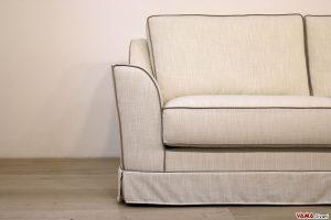 Bracciolo divano classico con bordo a contrasto