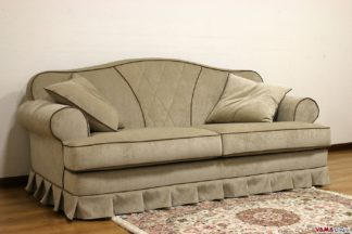 divano classico bianco e grigio