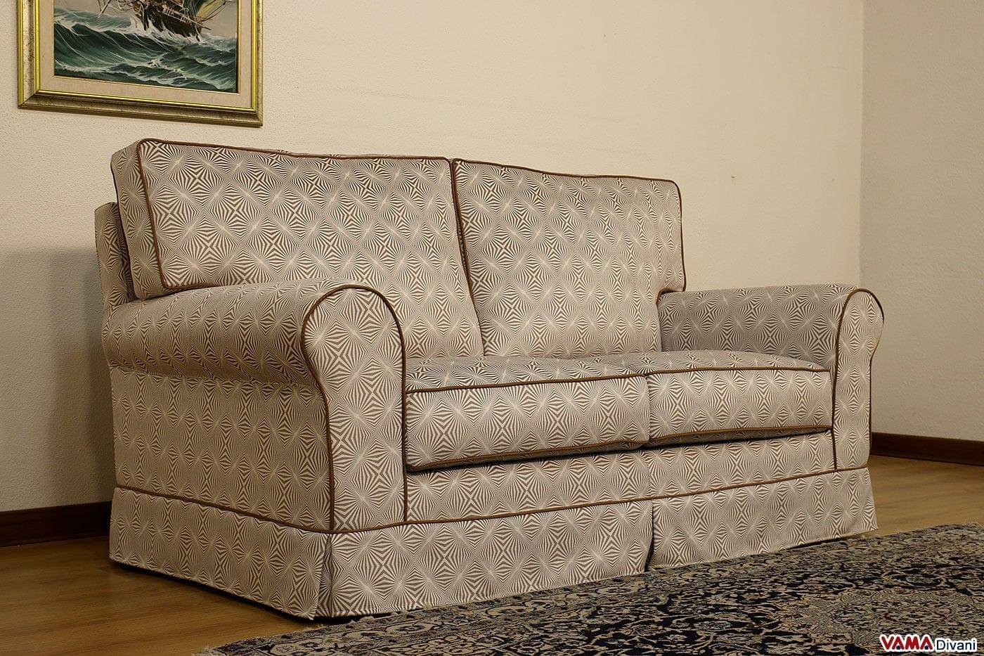 Divano classico bingo vama divani - Dimensione divano 2 posti ...