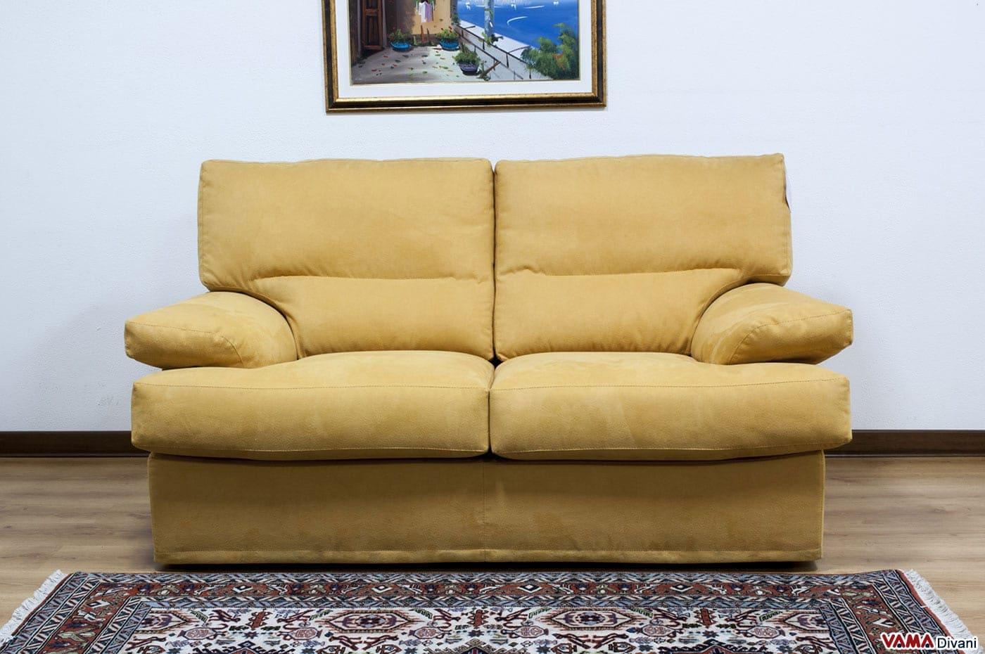 Divano in microfibra con schienale alto e avvolgente - Microfibra divano ...