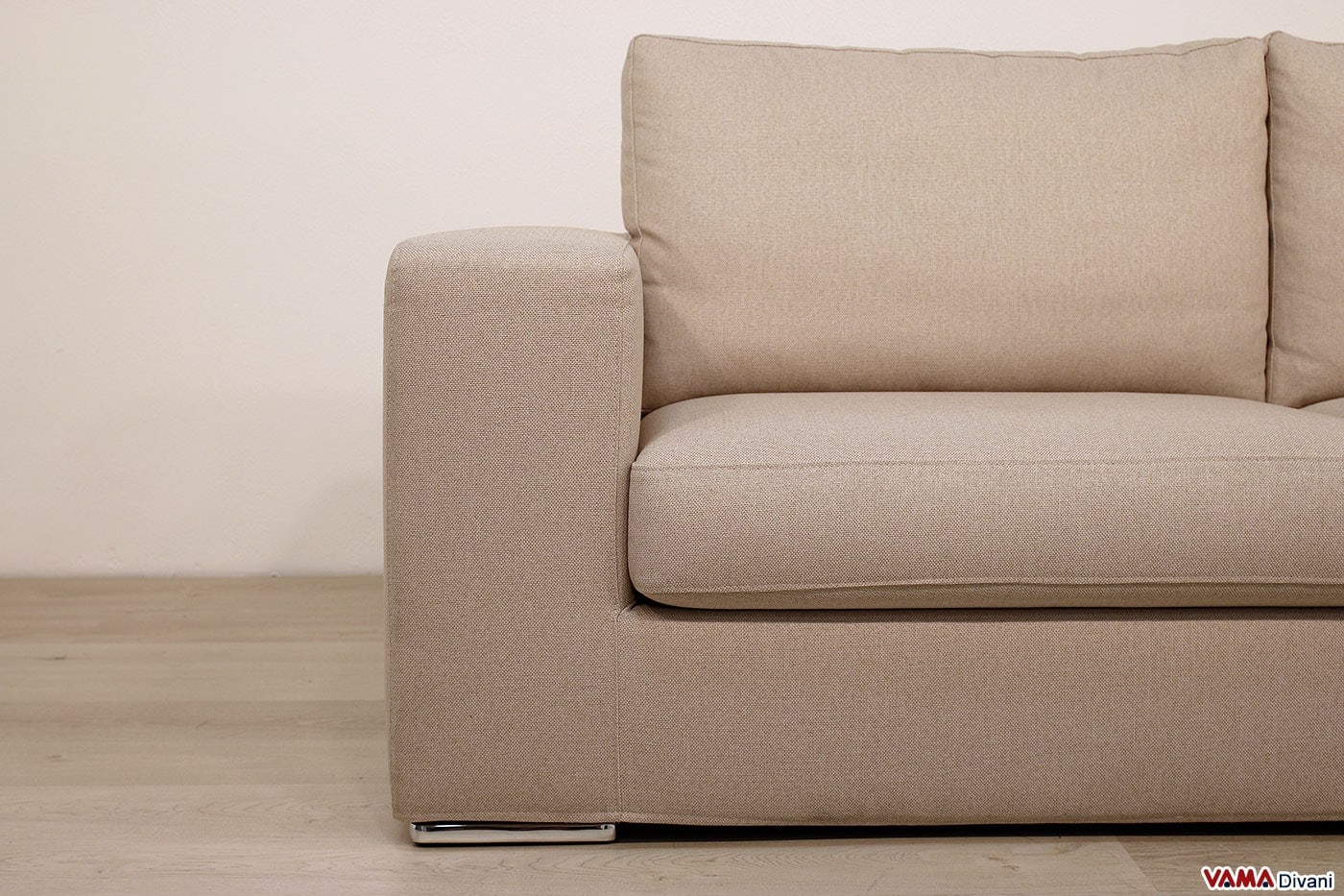 Divano moderno di design in tessuto grigio anche su misura for Divano in tessuto