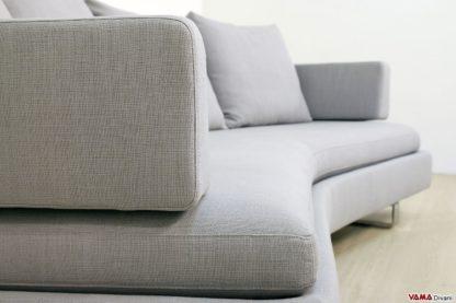 Cuscino basso e curvo del divano moderno