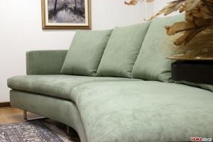 Seduta curva del divano