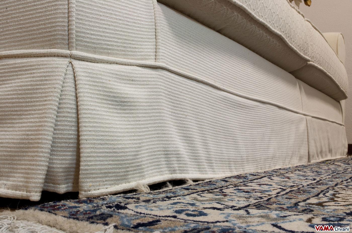 Divano tessuto bianco idee per il design della casa for Prezzi divani angolari tessuto
