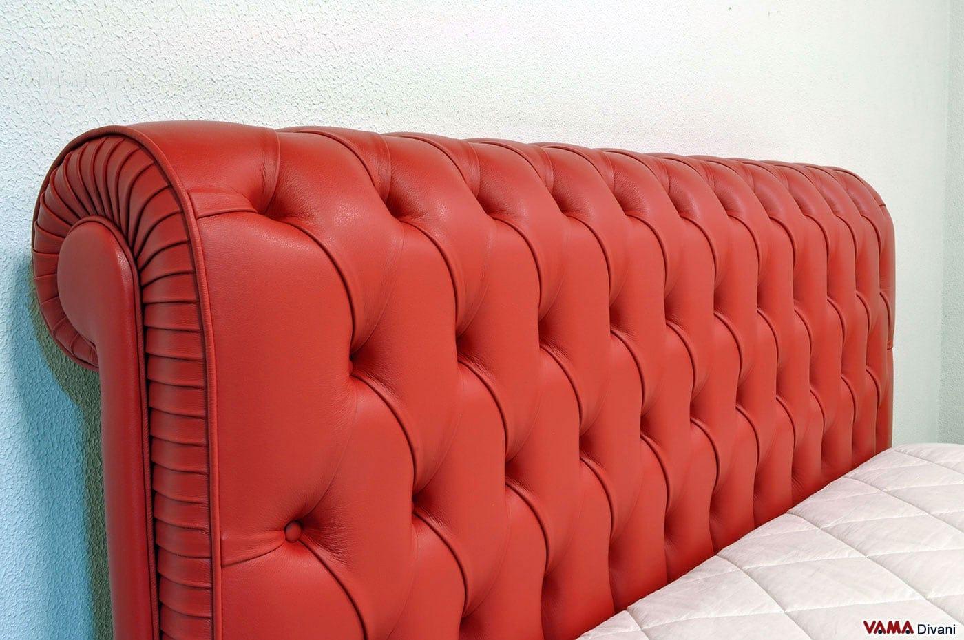 Letto chesterfield rosso con contenitore alla francese 140 cm for Letto pelle