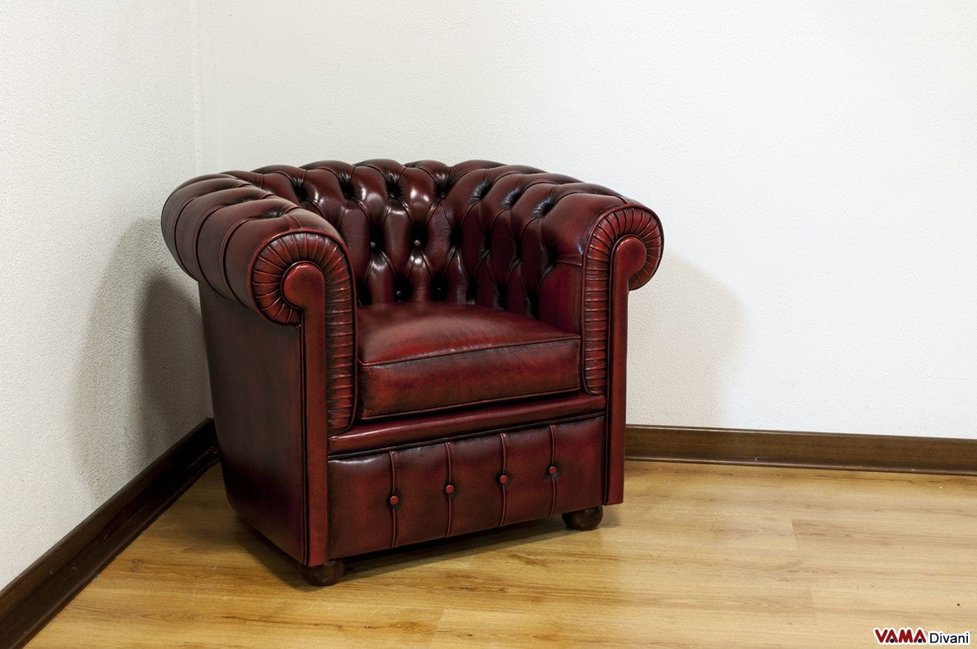 Poltrona Chesterfield di Piccole Dimensioni in Pelle Bordeaux