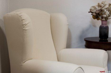 Poltrona con Orecchie in stoffa bianca sfoderabile