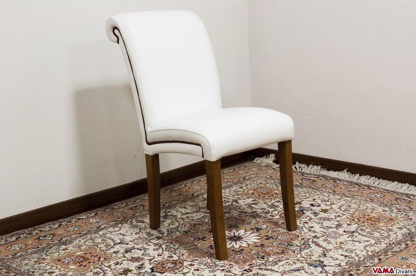 Sedia in Pelle Imbottita in Stile Classico