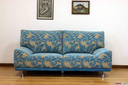 divano stile anni 50 in tessuto colorato blu azzurro grigio