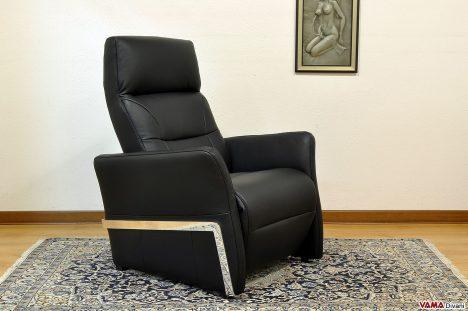 Poltrona relax manuale nera e acciaio cromato