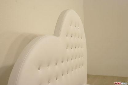 Testata letto con bottoni swarovski in pelle bianca