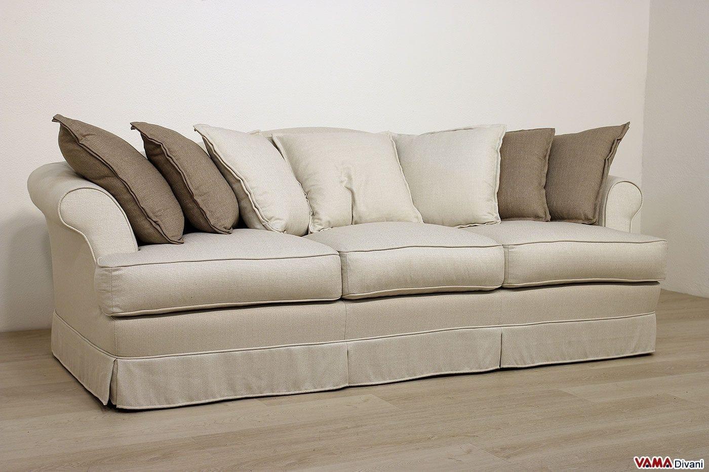 Divano classico su misura in tessuto sfoderabile chiaro - Cuscini schienale divano ...