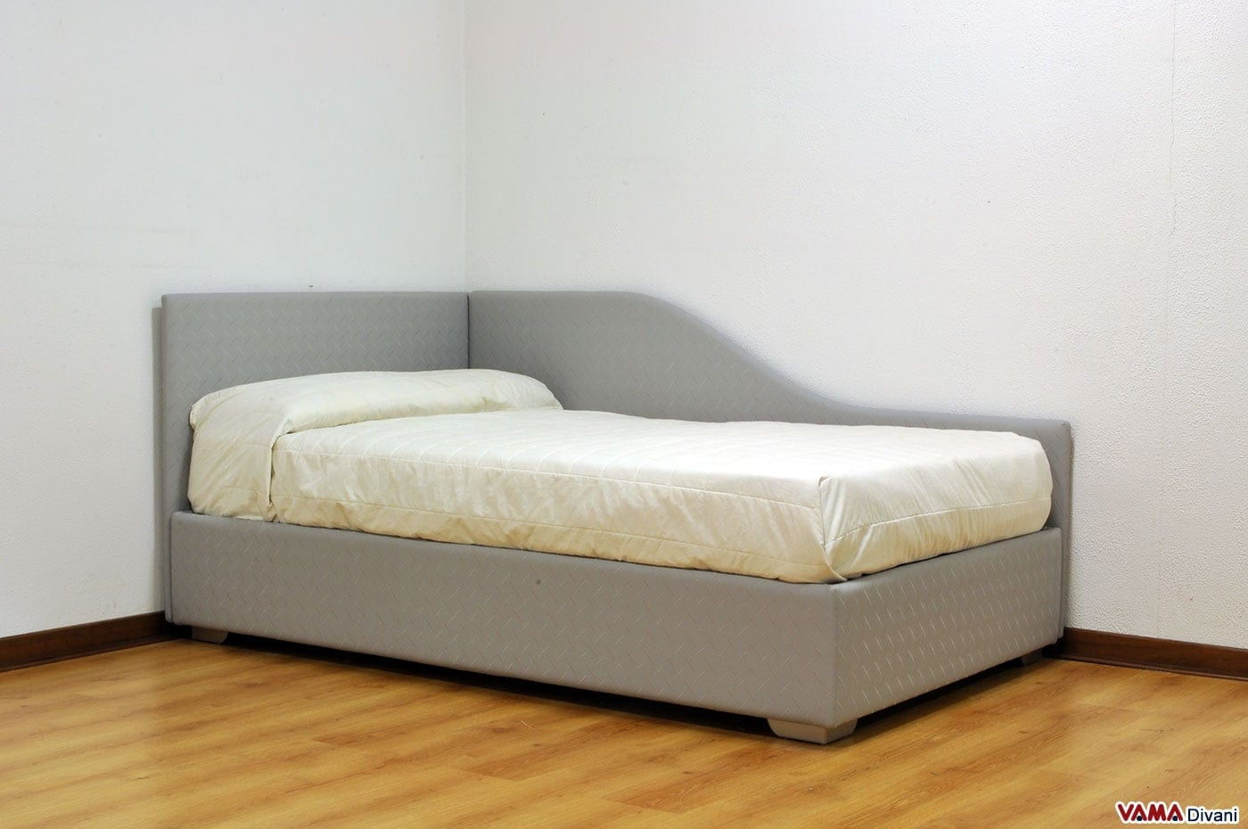 Letto singolo ad angolo thom vama divani - Letto singolo imbottito con letto estraibile ...