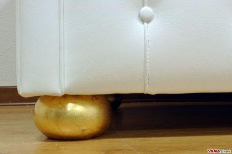 Piedino foglia oro divani chesterfield