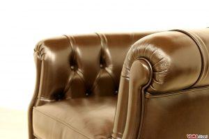 Poltroncina stile Chesterfield camera da letto e uffici in pelle marrone