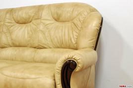 Schienale alto divano in pelle