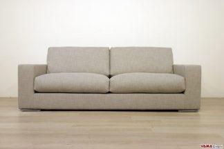 divano moderno grigio