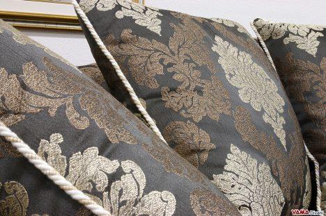 Divani classici in tessuto e stoffa damascato