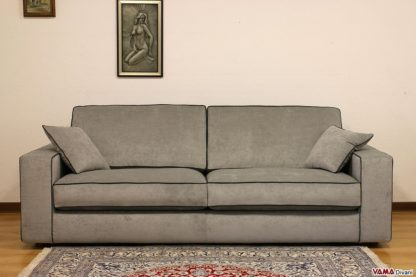 Divano moderno con due cuscini di seduta