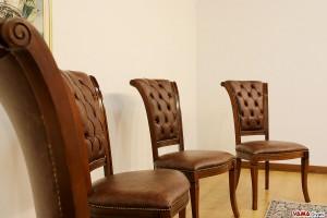 Sedie imbottite di lusso in legno con schienale capitonnè