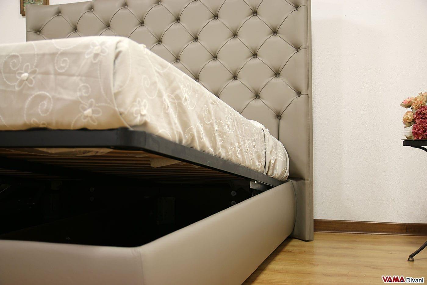 Letto con testiera di grandi dimensioni in pelle - Spalliere letto in legno ...