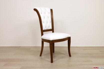 Sedia classica imbottita in pelle bianca e legno noce