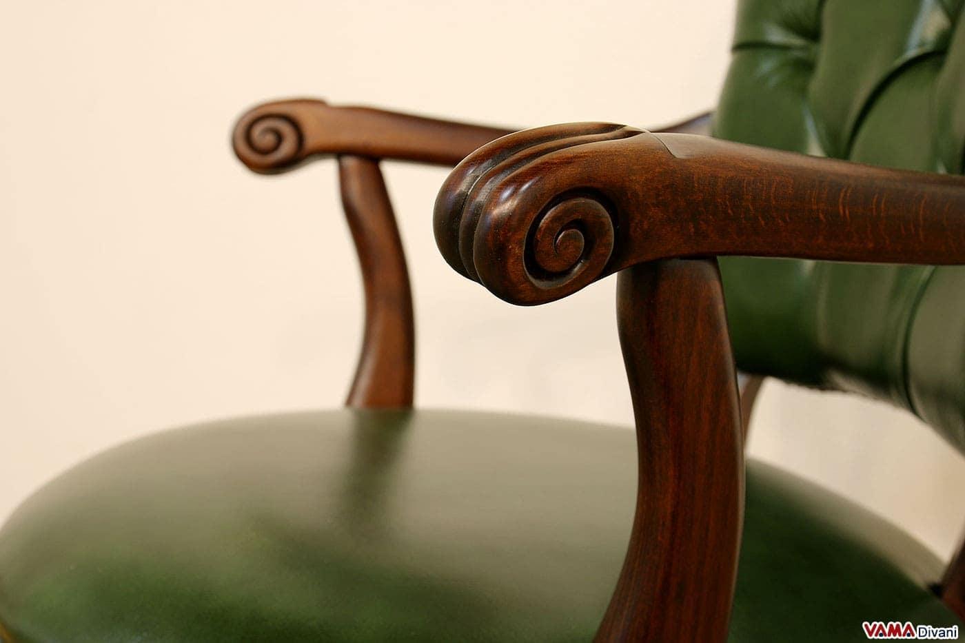 Sedia poltrona direzionale da ufficio in pelle con girevole for Poltrone da ufficio usate